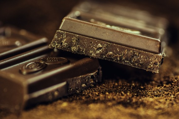 Dark chocolate with olive oil associated with improved cardiovascular risk profile
